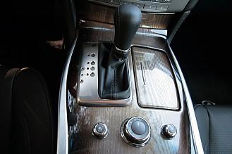 2011 Infiniti M56