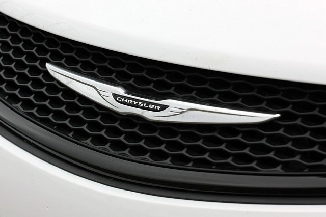 Chrysler 200S